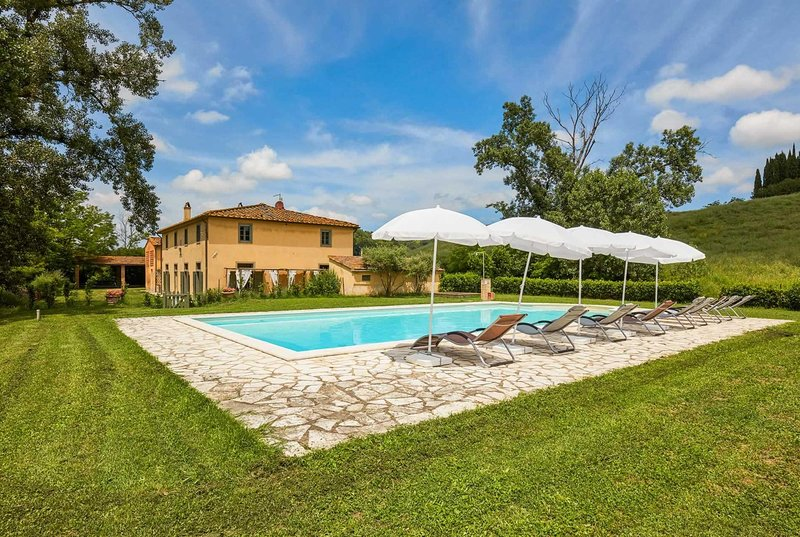 Rural 4 bedroom villa with pool, WIFI & BBQ, alquiler vacacional en Ghizzano