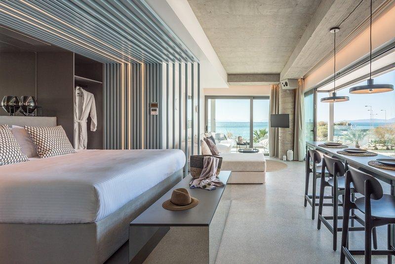 Arca A1 Junior Suite Sea View, holiday rental in Alimos