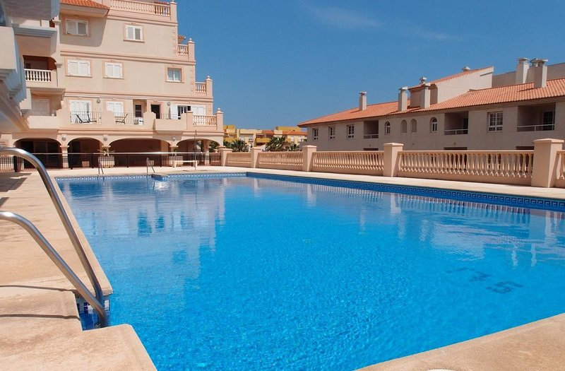 Porto Fino 'SEAGULL' Luxury 2 bedroomsappartement (max. 4 persons) - all. incl., holiday rental in Almerimar