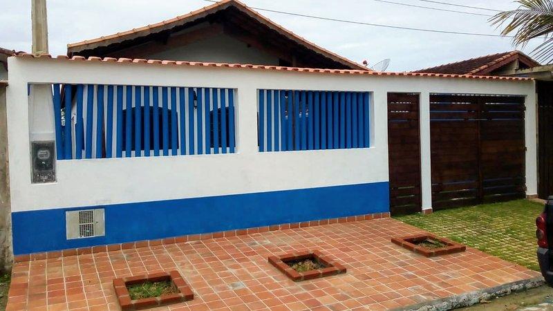 Casa na QUADRA DA PRAIA, location de vacances à Itanhaem