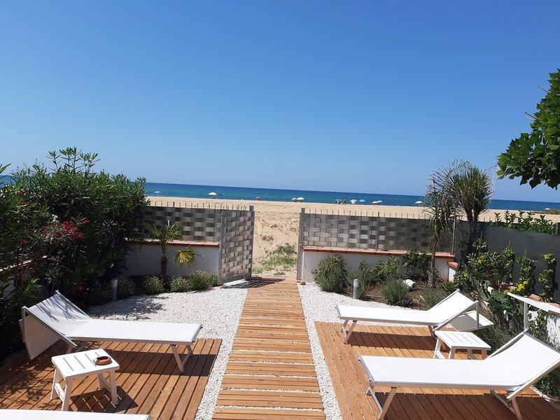 DORIDE, APPARTAMENTO SULLA SPIAGGIA, holiday rental in Balestrate