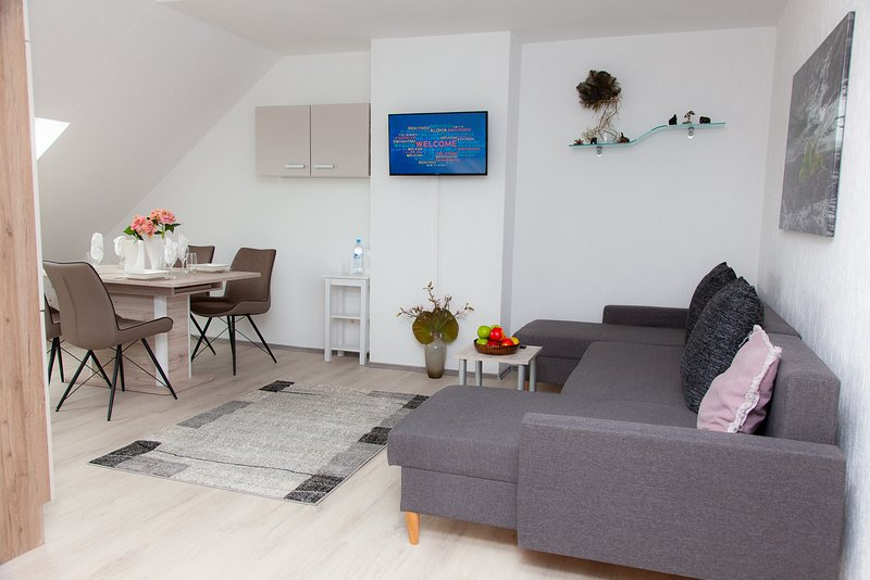 Top Wohnung Duisburg Süd Messe- und Airportnähe 3B, vacation rental in Willich