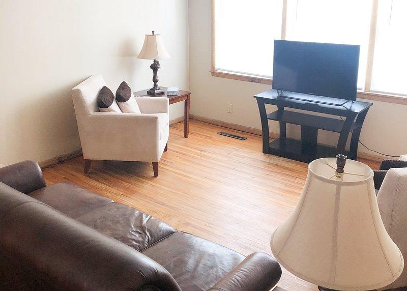 2 bed 1 bath clean and cozy serviced Williston Apt, vacation rental in North Dakota