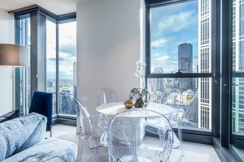 Eporo Gold - Magnificent 2 Bdrm Apt w/ Stunning Views, holiday rental in Melbourne