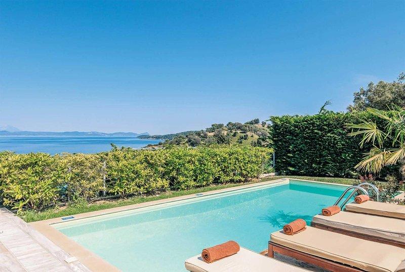 Modern 3 bed villa situated in Kappa resort, location de vacances à Paliouri