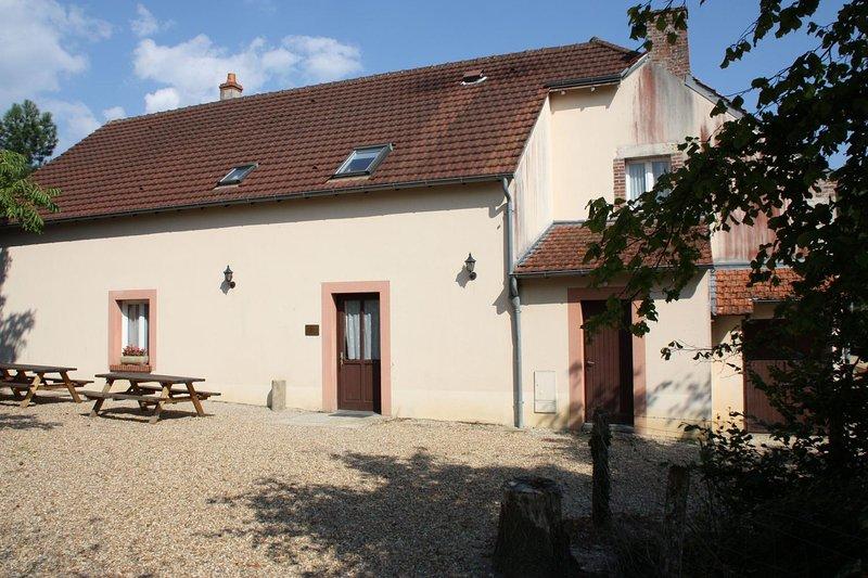 Big house for 19 holidaymakers, casa vacanza a Chatillon-Coligny