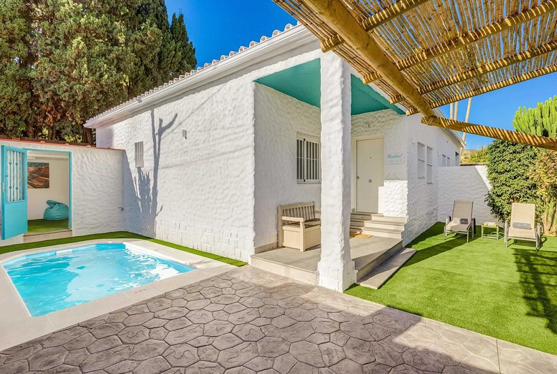 Modern and stylish property, car optional, holiday rental in Torremolinos