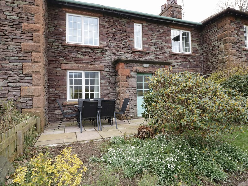 2 GOWBARROW COTTAGES, countryside and lake views, in Watermillock, Ref 969302, holiday rental in Dockray