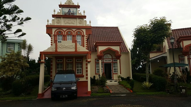 Villa Kota Bunga Homey ( R9/14 Eindhoven ), holiday rental in Cipanas