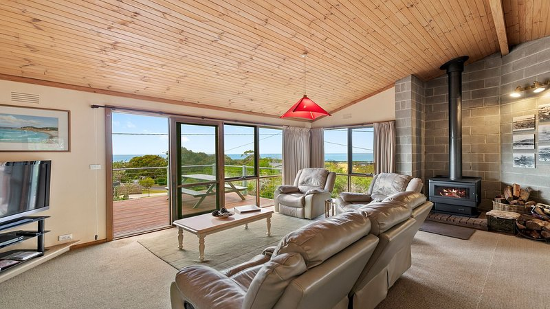 17 SIXTH AVENUE POINT ROADKNIGHT, holiday rental in Anglesea