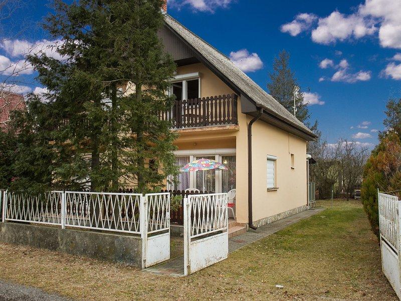 Balaton H500, holiday rental in Keleviz