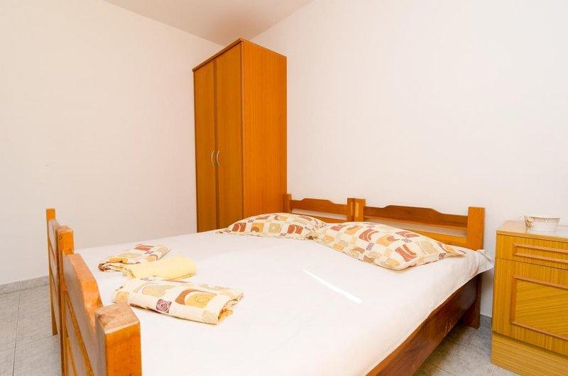 Apartments Dalmatin Žuljana - Studio Apartment 3, holiday rental in Zuljana
