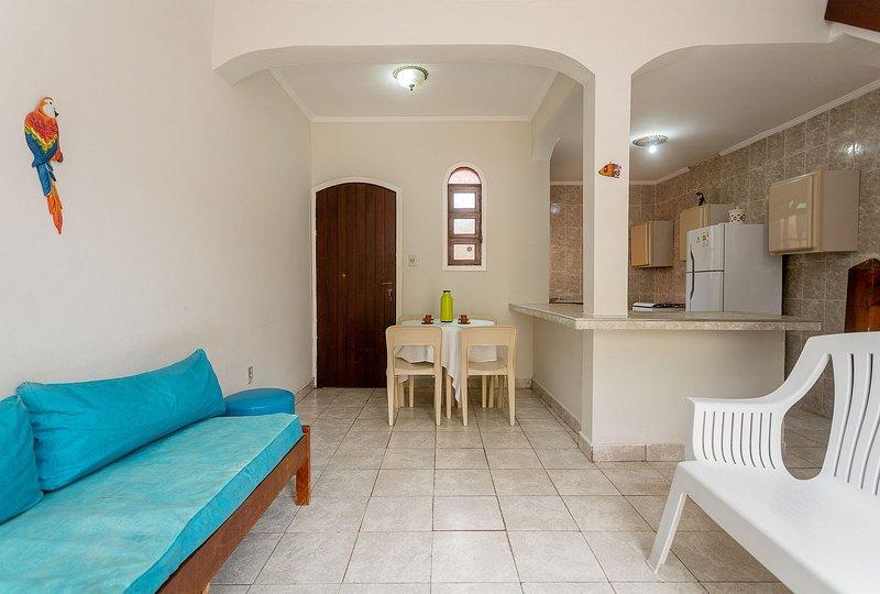 Villagio Santa Mônica - Chalé Standard 4, holiday rental in Caraguatatuba