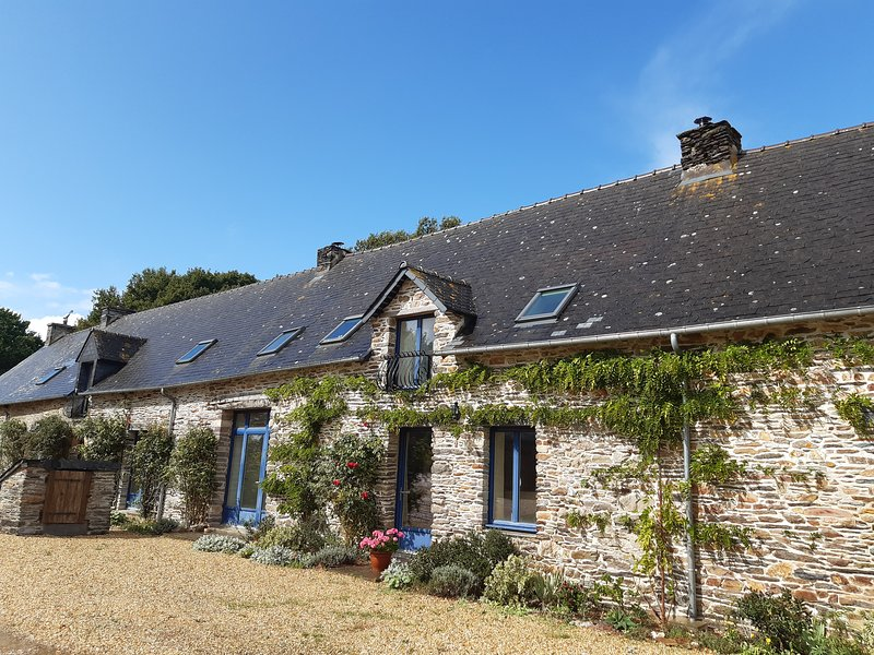 La Cremerie - spacious stone gite in Brittany, vacation rental in La Gacilly