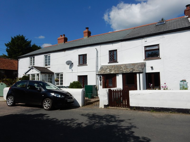Sylvie's Holiday Cottage North Devon – semesterbostad i Bucks Cross