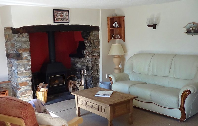Sylvie's Country Cottage North Devon Coast - just 10mins from Clovelly, holiday rental in Clovelly