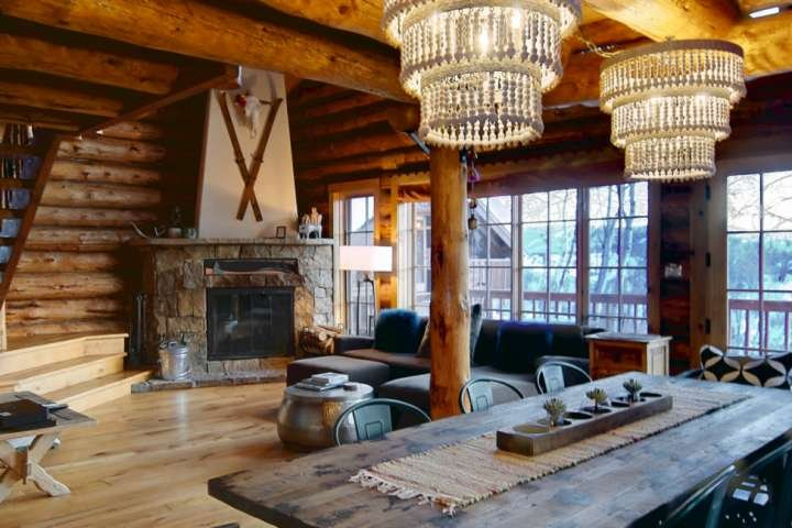 Dog Friendly-Private Entrance/Hot Tub/Modern Log Home w/Amazing Views, Game Room, vacation rental in Yampa