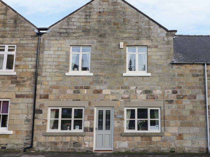 THE OLD POST OFFICE en-suites, Smart TV, WiFi in Rosedale Abbey Ref 937421, holiday rental in Pickering