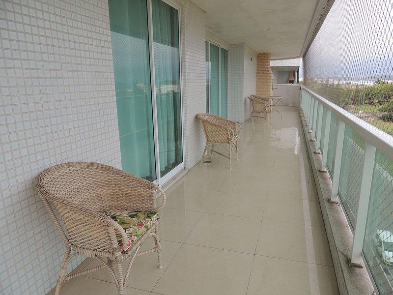 Apartamento com 4 quartos em prédio de frente p/Mar, alquiler de vacaciones en Iguaba Grande