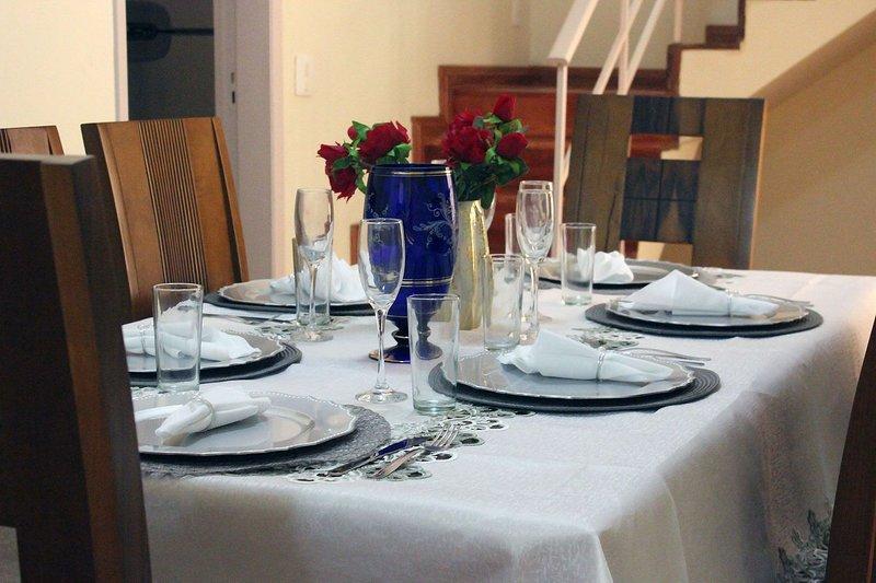 Bem localizada casa c/ 4 quartos Ipatinga-MG, location de vacances à Marlieria