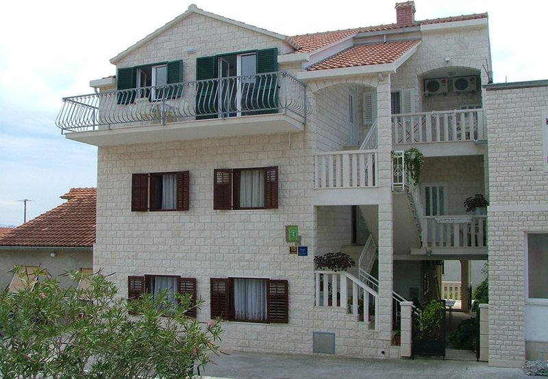 03401BOL A2 (2 + 1) - Sphere, vacation rental in Bol