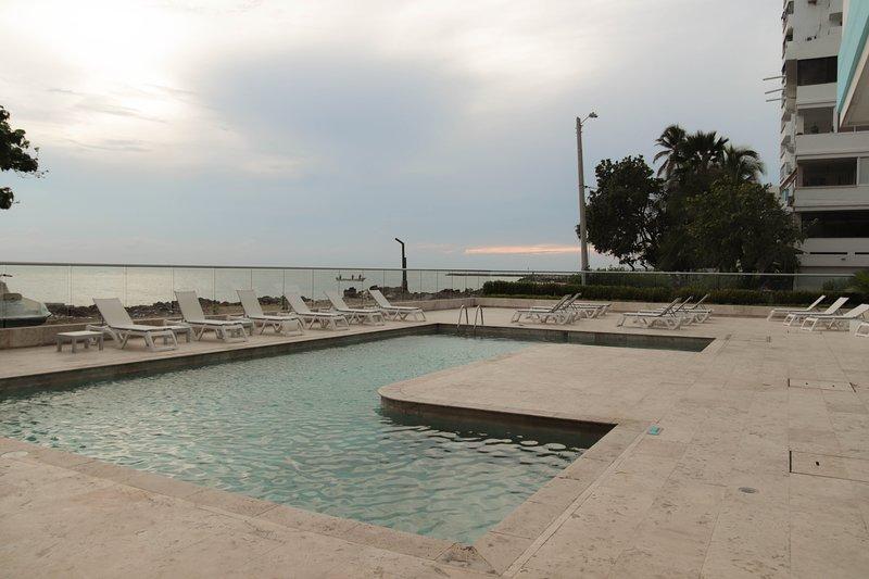 Apartamento en Cartagena Frente al Mar 1ps28 Con Aire acondicionado y Wifi hogar, casa vacanza a Isla Grande