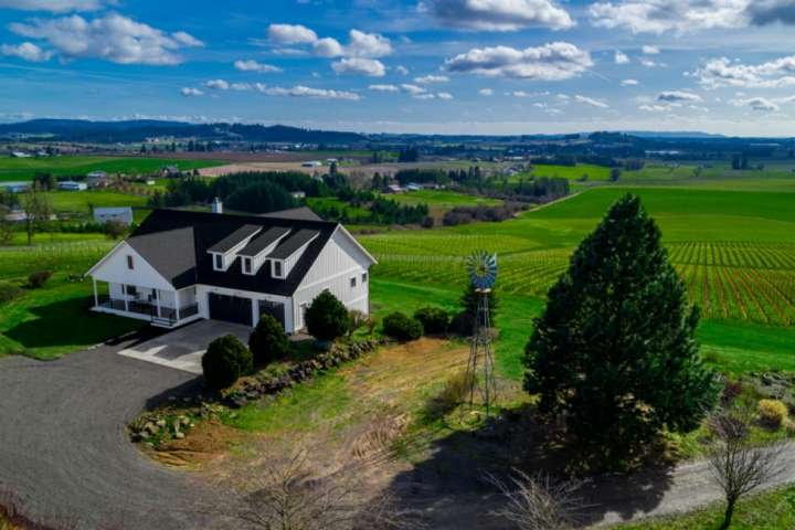 360 Degree Vineyard Views, Four Master Suites, Free Wine Tastings for Group, Pin, alquiler de vacaciones en Yamhill