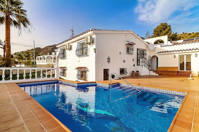 Villa Isabel Private Pool Casasol, holiday rental in Maro