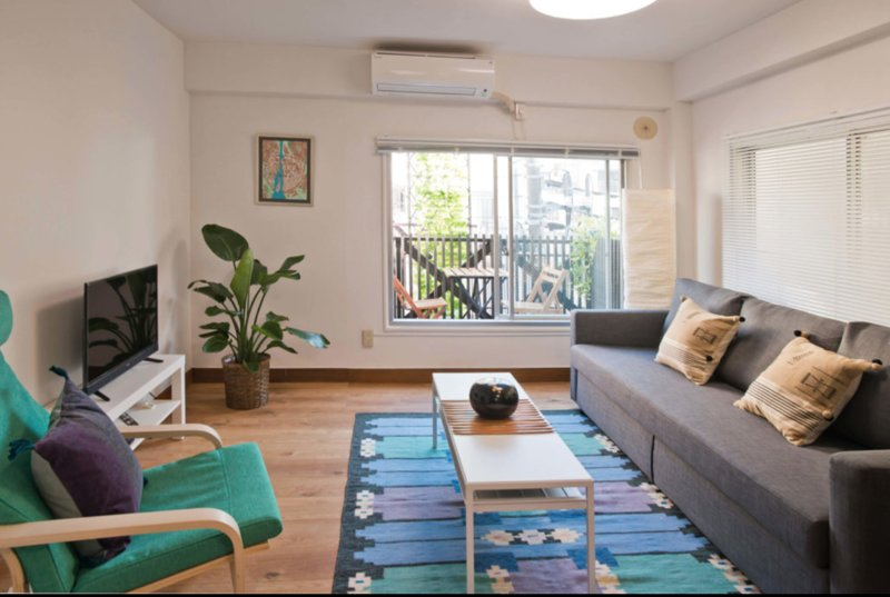 2BR Renovated as New, Walking Distance to Electric City of Akihabara, location de vacances à Arakawa