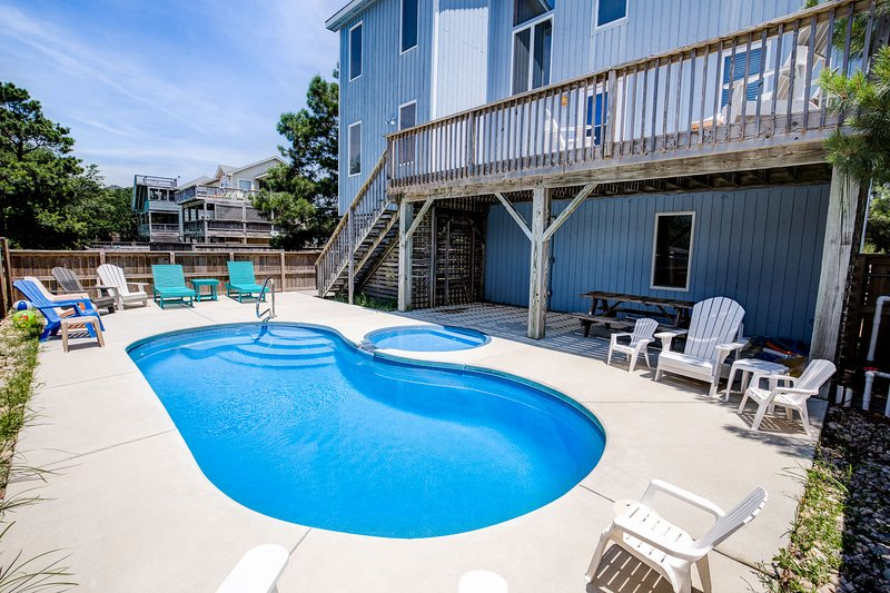Recovery Room | 2754 ft from the Beach | Dog Friendly, Private Pool, Hot Tub | C, holiday rental in Corolla