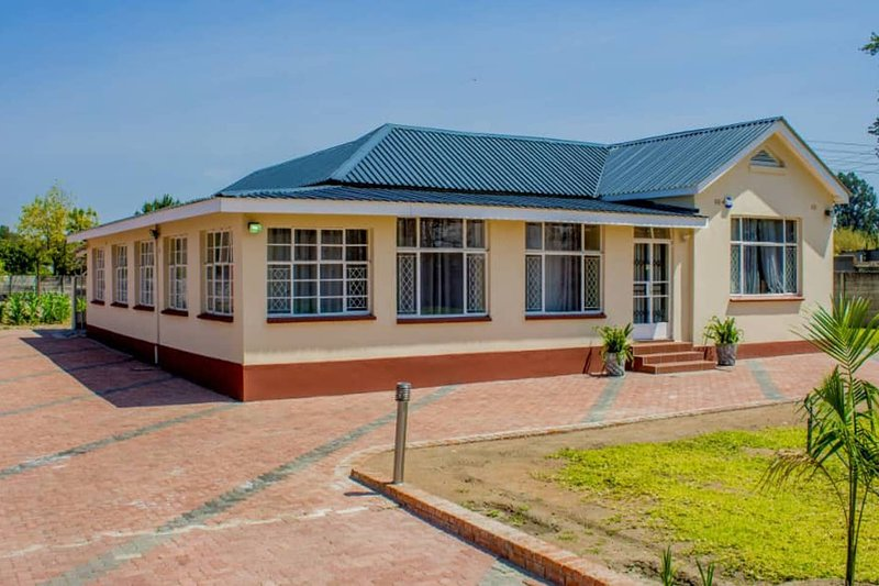 Lynm Villas Holiday Home - Now at Home, holiday rental in Chitungwiza