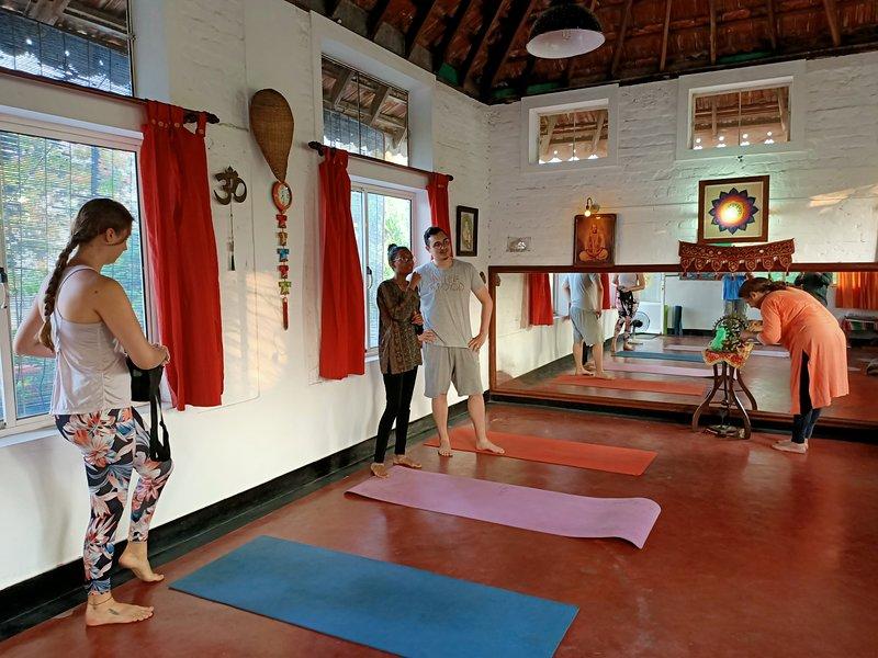viZrama Retreat Kochi - homely stay with saatvic food, ayurveda massage, yoga, holiday rental in Fort Kochi