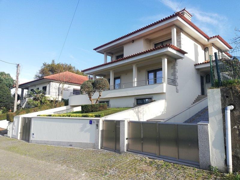 CASA RUA DA CAPELA AREIAS DE VILAR BARCELOS, alquiler de vacaciones en Vila Nova de Famalicao