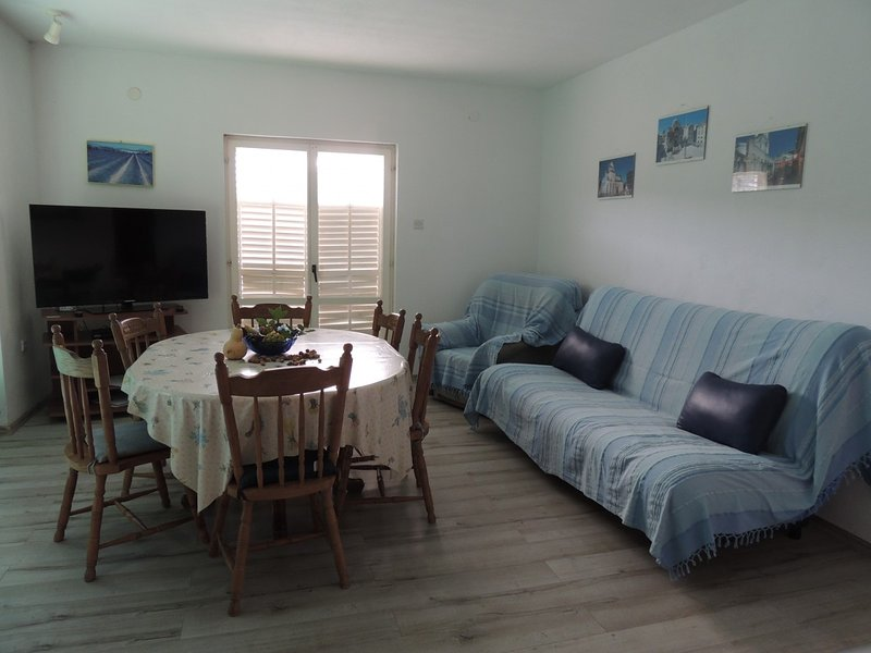 Holiday home 156822 - Holiday apartment 160394, holiday rental in Gustirna