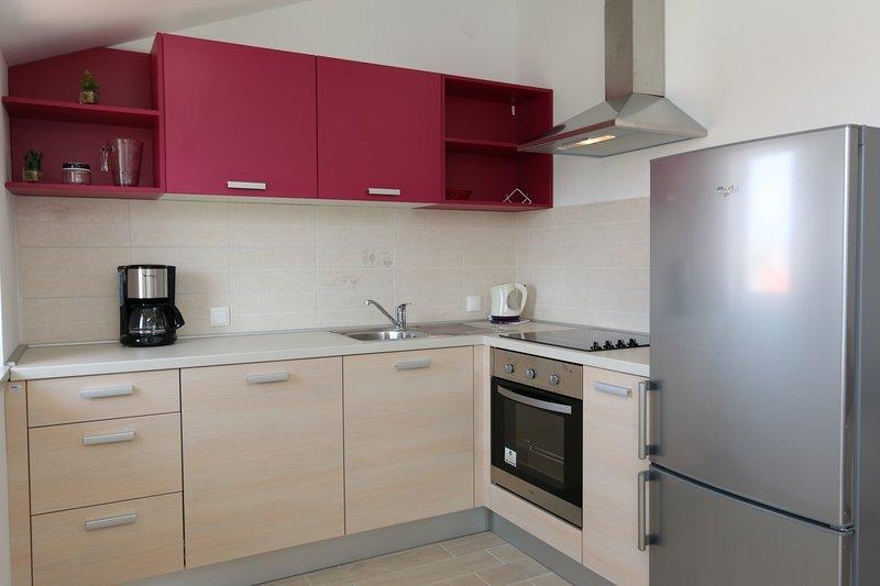 Holiday home 182784 - Holiday apartment 208995, casa vacanza a Soline