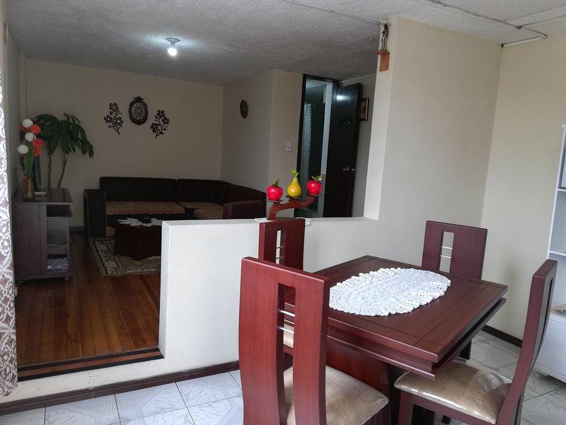 Departamento en Ficoa: el mejor barrio Ambato, vacation rental in Ambato