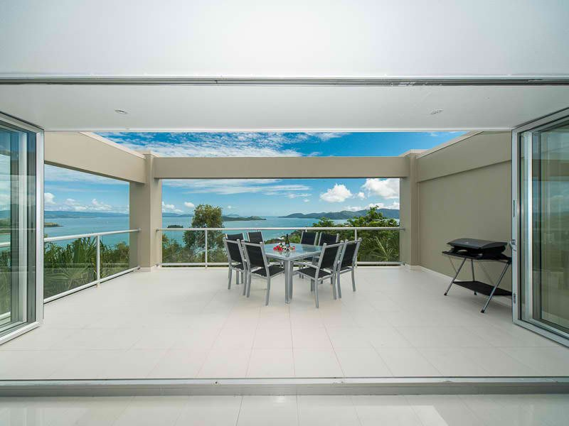 Hill-Top Villas -Central Location, With Fantastict Views, vacation rental in Whitsunday Islands