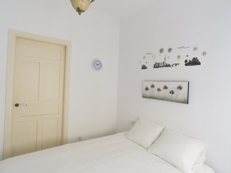 Historic house in city center, vacation rental in La Campana