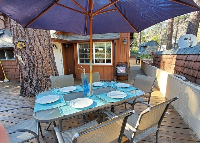 Idyllwild Dairy Hen: Walk-to Town, Pet Friendly!, alquiler de vacaciones en Pine Cove