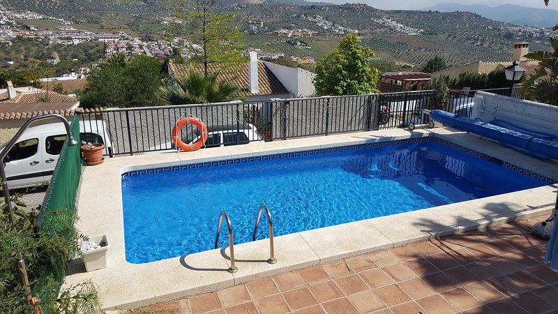 Casa Mollie villa with beautiful mountain views, holiday rental in Puente Don Manuel