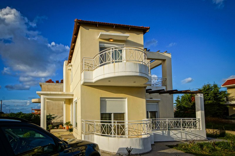 Rose Garden House, holiday rental in Paradeisi