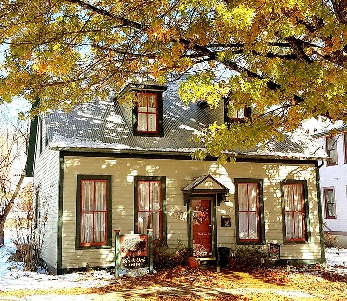 Black Oak Inn Guest House, holiday rental in New Haven