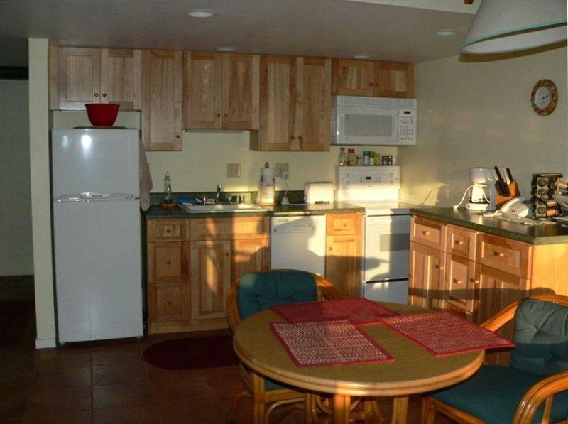 Molokai Secluded Oceanfront Condo, aluguéis de temporada em Maunaloa