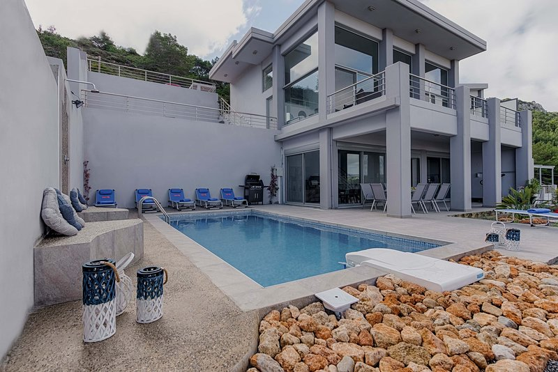 Articiano Villa, location de vacances à Ladiko