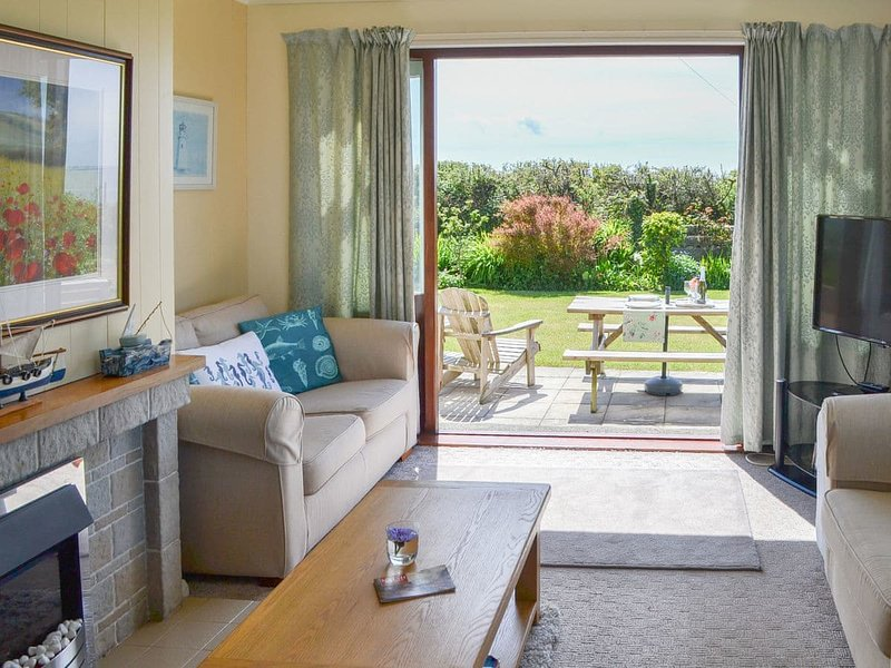 Seafield, vacation rental in Llanfaethlu