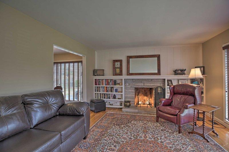 Lexington Family Home ~ 2 Miles to UK Campus!, location de vacances à Lawrenceburg