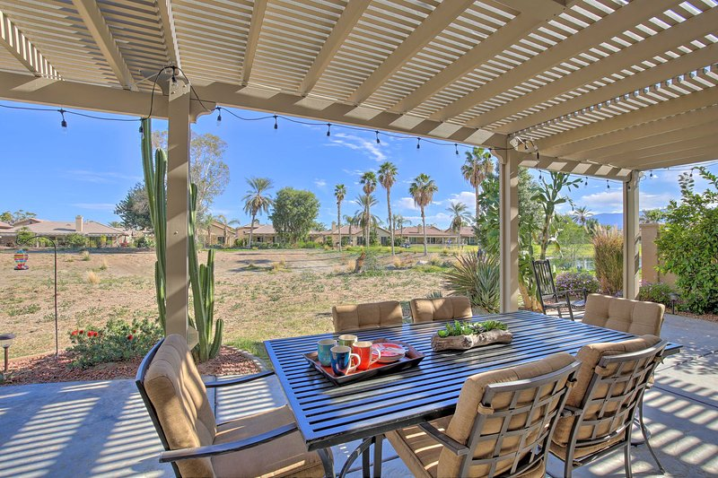 Serene Desert Gem ~ 1 Mile to Coachella/Stagecoach, holiday rental in Coachella