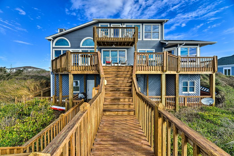 NEW! Large Beachfront Home w/ Boardwalk & Elevator, vacation rental in Pine Knoll Shores