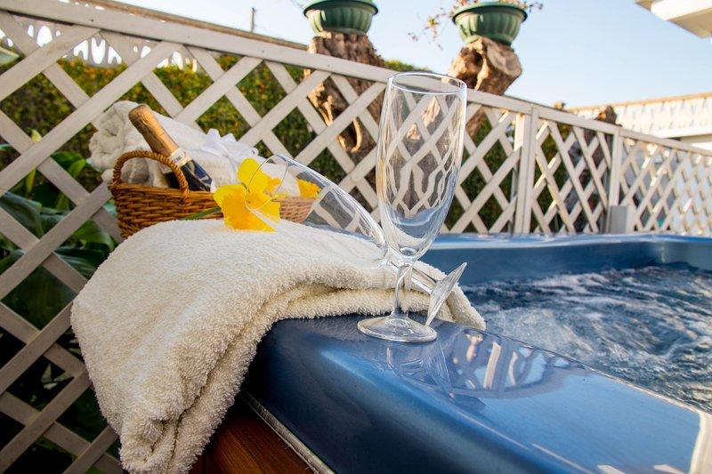 Chalet Gallipoli Parcheggio giardino piscina idromassaggio clima, vacation rental in Gallipoli
