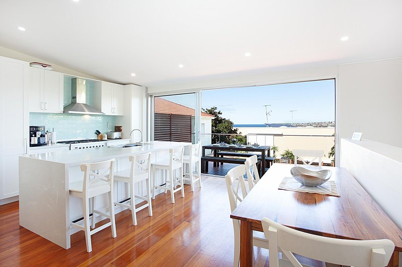 Beautiful Coastal Family-Sized Home, location de vacances à Randwick